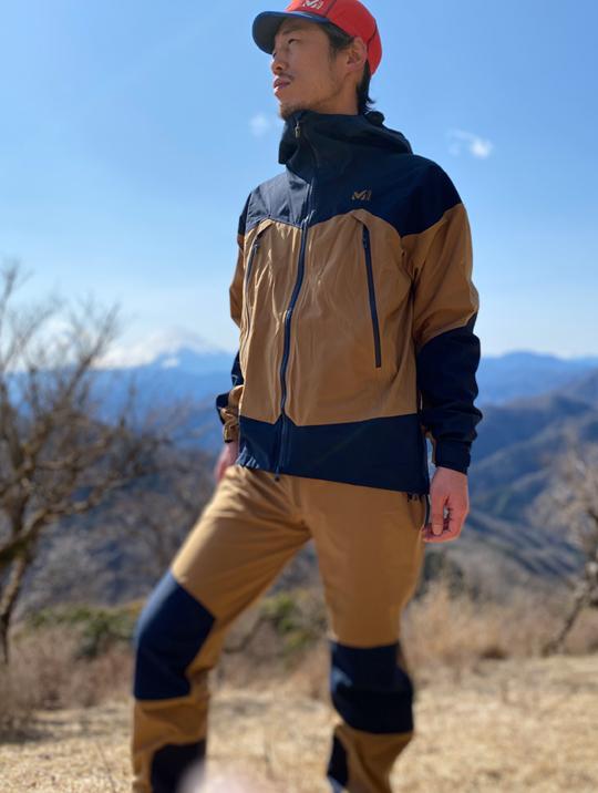 雨から雪山まで着用できる高透湿性シェル